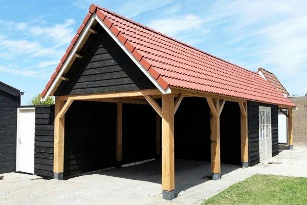 C1 Garage / Caport 1400x400 dubbelwandig houtskelet zwarte potdeksel, zadeldak pannen