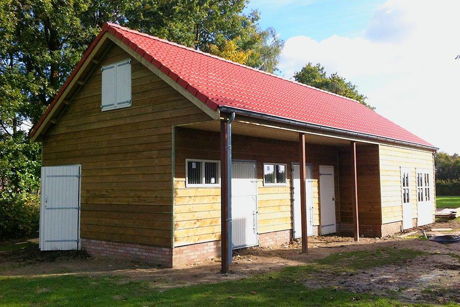Goede Paardenstal of paardenbox laten bouwen - BOHA Systeembouw B.V. MI-89