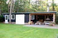 T5 Tuinhuis / overkapping 1100 x 500 totaalhoogte 260 cm dubbelwandig houtskelet / zwarte potdeksel, plat mastiek dak