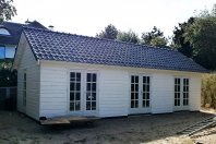 T28 Tuinhuis 1000x400 dubbelwandig houtskelet rabat, zadelak 35 graden pannen