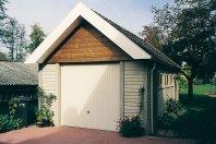 G27 Garage-630x350cm-enkelwandig-betonbouw-houtmotief
