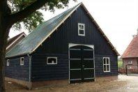 G45 Garage 800 x 800 cm gemetselde trasraam met daarop dubbelwandig houtskelet