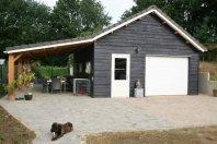 G36 Garage 1000x600cm dubbelwandig houtskelet geisoleerd-overkapping 1000x400cm ondersteund dmv lariks palen 15x15cm