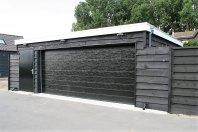 G35 Garage 1000x600cm dubbelwandig houtskelet geisoleerd-overkapping 1000x400cm ondersteund dmv lariks palen 15x15cm