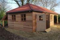 G48 Garage dubbelwandig houtskelet-red cedar rabat -overkapping-schilddak