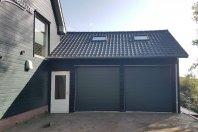G6 Aanbouw garage 700 x 700 met zijwandhoogte 300 cm houtskelet / zwarte douglas potdekseldelen